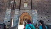 klenba : MILAN, ITALY - 24 SEPTEMBER, 2017 : Sforza Castle (Castello Sforzesco), a castle in Italy. One of the main landmarks of Milan. Dostupné videozáznamy