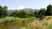 баварский : Sunny landscape with river in the Bavarian Alps