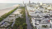 horizont nad vodou : Top view of Ocean Drive. South Beach Miami Dostupné videozáznamy