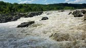 conífera : The Potomac river rapids swollen by heavy rains, at the Great Falls, in Maryland, USA