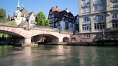 uzun pozlama : Time lapse of the river in the old district of Strasbourg, France. Each frame is a long exposure. Filmed in October 2018, during the autumn.