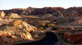 estados unidos : Long and winding road in the Valley of Fire National Park