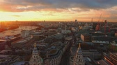 vista : Amazing London at sunset - aerial shot Stock Footage