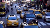 vezes : Street traffic on Times Square New York