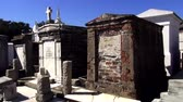viagens de negócios : New Orleans St. Louis Cemetery No.1 old graves NEW ORLEANS, LOUISIANA USA Stock Footage