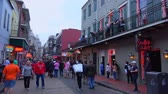 francês : Famous Bourbon Street in New Orleans