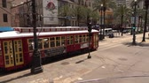 culto : New Orleans trolley bus - street car on Canal Street