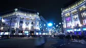 английский : Oxford Circus in London at Christmas time - amazing time lapse shot at night
