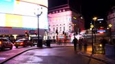 английский : Piccadilly Circus in London - time lapse shot at night