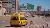 vezes : FDR Drive at South Ferry Terminal - taxi cab in New York