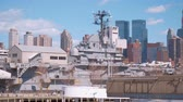 vezes : Intrepid Battleship and Museum Manhattan New York Stock Footage