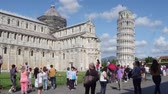 architektonický : Pisa Cathedral and Leaning Tower at Duomo Square - PISA  TUSCANY ITALY - SEPTEMBER 12, 2017 Dostupné videozáznamy