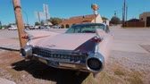 széna : Classic American Oldtimer Car like Pink Cadillac at Route 66 - USA 2017