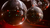 emocional : Mirrorballs in a club - close up shot in slow motion