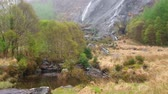 İrlanda : Gleninchaquin waterfall at Beara Peninsula