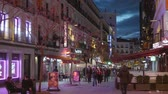 mimari : Pedestrian zon in Madrid in the evening - a busy place