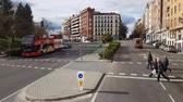koning : Sightseeingbus in de straten van Madrid