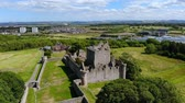 vysočina : Flight over Craigmillar Castle and the city of Edinburgh Dostupné videozáznamy