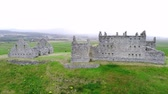 vysočina : Flight over the Ruthven Barracks in Kingussie Scotland - Cairngorms National Park Dostupné videozáznamy