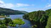 геология : Amazing landscape with creeks and lakes in the Scottish Highlands - romantic aerial view