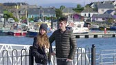 kerry : Young couple enjoys the sightseeing trip through Dingle Ireland