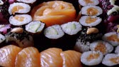susam : Close up of freshly made Sushi on a plate Stok Video