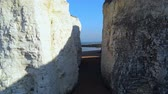 eroze : White cliffs and chalk rocks at Botany Bay England Dostupné videozáznamy