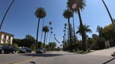 surrealizm : Beverly Hills POV drive - LOS ANGELES. USA - MARCH 18, 2019 Wideo