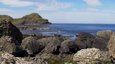 basalto : Giants Causeway - a popular landmark in Northern Ireland Archivo de Video