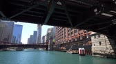 arranha céus : The Bridges over Chicago River - CHICAGO. UNITED STATES - JUNE 11, 2019
