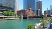 michigan : Chicago River on a sunny day - CHICAGO, UNITED STATES - JUNE 11, 2019