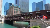 arranha céus : The Bridges over Chicago River - CHICAGO, UNITED STATES - JUNE 11, 2019
