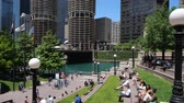 michigan : The popular riverside of Chicago River - CHICAGO, UNITED STATES - JUNE 11, 2019 Stock Footage