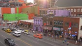 음악 : The famous Broadway in Nashville with all the bars and saloons