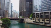arranha céus : Architecture at Chicago River in downtown - CHICAGO, USA - JUNE 12, 2019