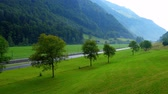 スイス : Typical picturesque landscape of the Swiss Alps in Switzerland