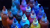 꿰뚫는 : Color ink bottles at a Tattoo studio