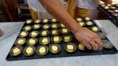 fotografia : Bakery in Lisbon making the famous cream tarts called Pasteis de Nata