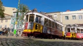 tranvía : The famous historic tram cars in Lisbon - CITY OF LISBON, PORTUGAL - NOVEMBER 5, 2019