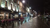iskoçya : Famous Grassmarket in Edinburgh at night - EDINBURGH, SCOTLAND - JANUARY 10, 2020