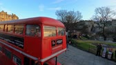 iskoçya : English Tea time bus in the streets of Edinburgh - EDINBURGH, UNITED KINGDOM - JANUARY 11, 2020