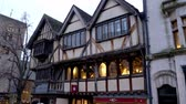 theems : Old half-timbered house in Oxford - OXFORD, ENGLAND - JANUARY 3, 2020