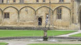 大教会堂 : Christ Church Cathedral and Oxford University in Oxford England - OXFORD, ENGLAND - JANUARY 3, 2020