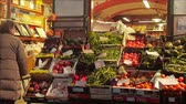 stadt straße : Produce Market in Italy Stock Footage