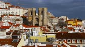 şehir merkezinde : Beautiful panorama of the central part of Lisbon. View of the Cathedral