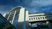 peão : Time lapse clouds over European Parliament, Brussels