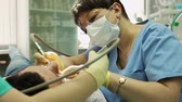 boer : Treatment of caries. Man visits the dentist.