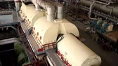 powerplant : Een turbine generator in de machinekamer van een kerncentrale. HD Stockvideo