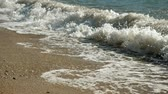 olas rompiendo : Seascape. Great waves breaking on the shore of Ionian sea. Greece. Slow motion. HD