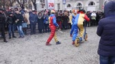 rumunia : CHERNIVTSI, UKRAINE - JAN 15, 2018: Malanka Festival in Chernivtsi. Folk festivities on the streets dressed people in comical costumes Wideo